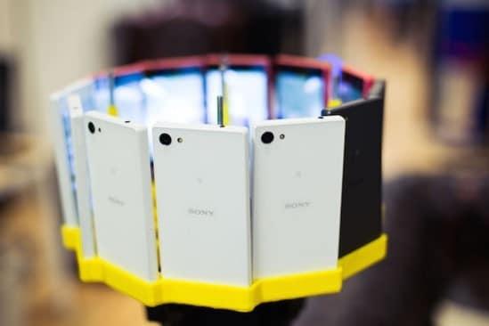 Así luce el armazón que prepararon para montar los 12 celulares.